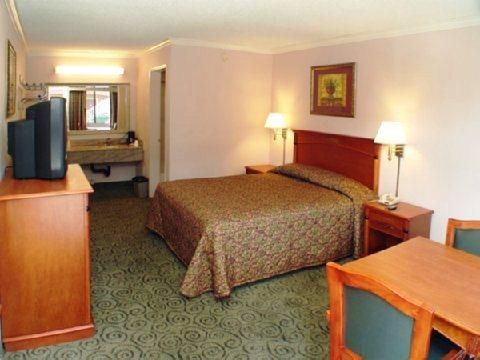 Photo 2 - California Best Inn