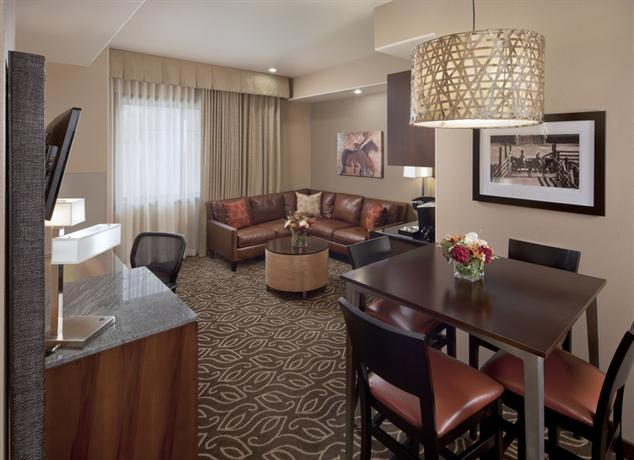 Photo 2 - Best Western Premier Ivy Inn & Suites