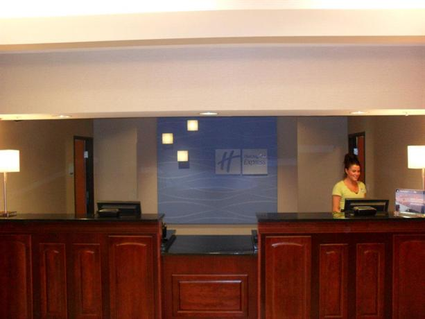 Photo 1 - Holiday Inn Express & Suites Urbandale