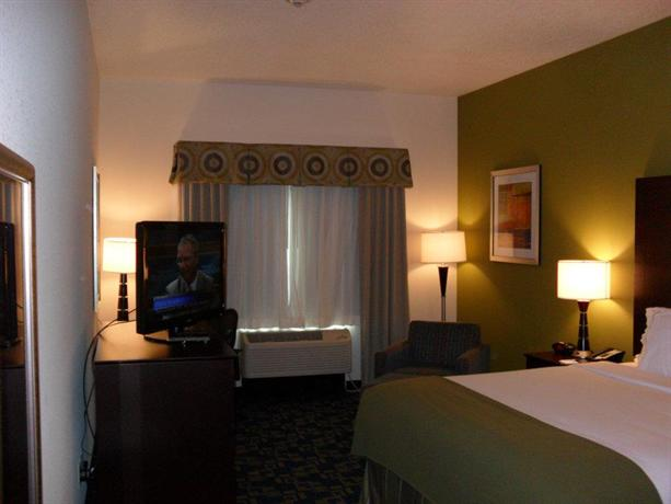 Photo 3 - Holiday Inn Express & Suites Urbandale