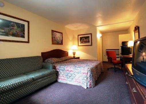 Photo 1 - Americas Best Value Inn Arlington Dallas