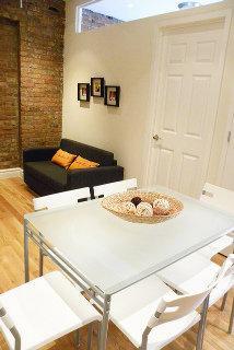 Photo 2 - Smart Apartments East Village Townhouse