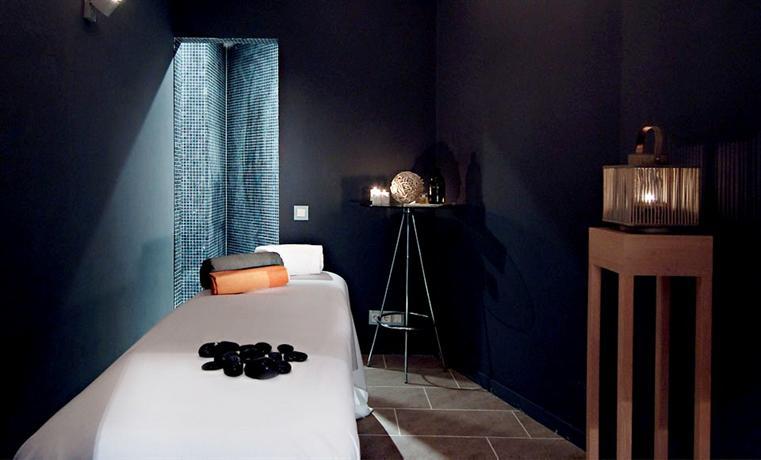 Photo 2 - Axel Hotel Barcelona