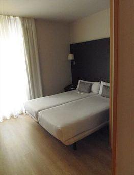Photo 3 - Internacional cool local hotel