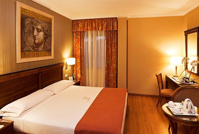 Photo 2 - Becquer Hotel
