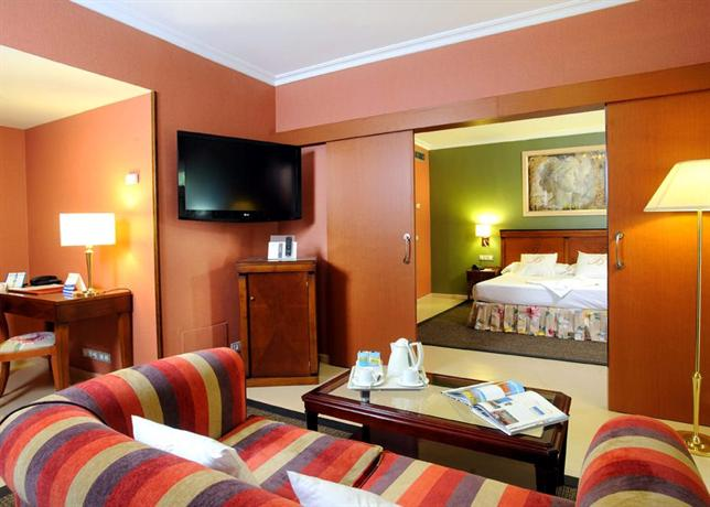 Photo 3 - Becquer Hotel