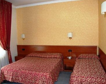 Photo 2 - Jonico Hotel Rome