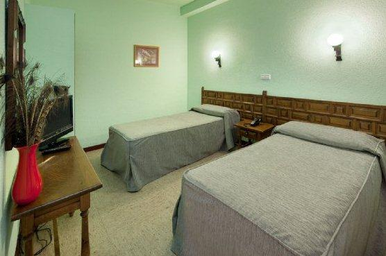 Photo 1 - Lyon Hotel
