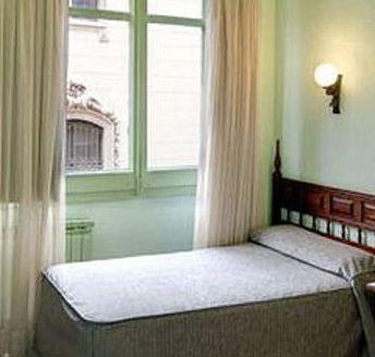 Photo 3 - Lyon Hotel