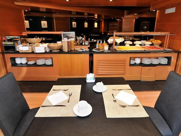 Photo 2 - Barcelona Universal Hotel