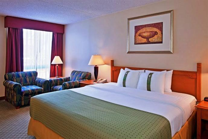 Photo 1 - Holiday Inn and Suites Tucson Airport North