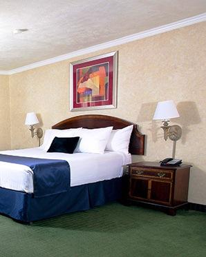 Photo 2 - Best Western Plus InnSuites Tucson Foothills Hotel & Suites