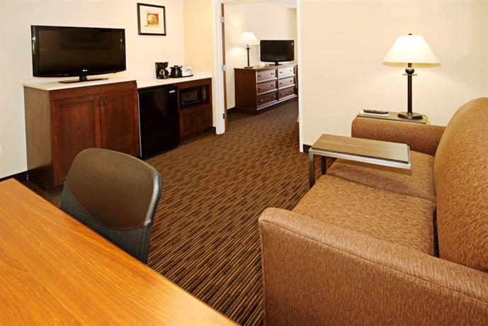 Photo 3 - Holiday Inn Express Hotel & Suites Scottsdale