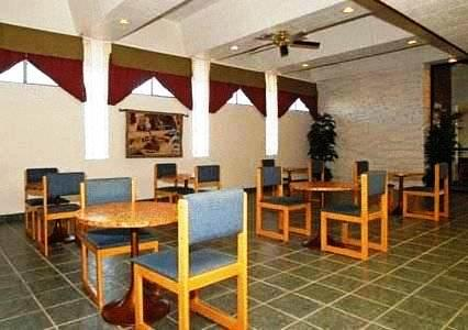 Photo 1 - Econo Lodge Phoenix