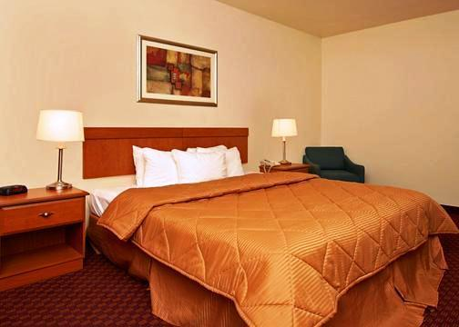 Photo 2 - Comfort Inn West