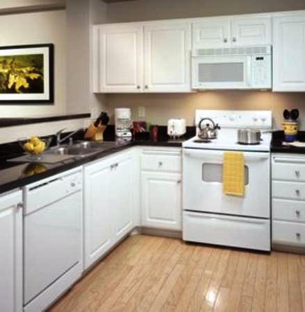 Photo 1 - Oakwood Apartments West Frye Road Chandler (Arizona)