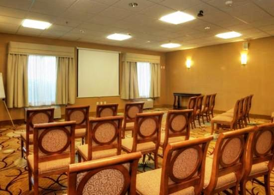 Photo 2 - Comfort Inn & Suites Fayetteville
