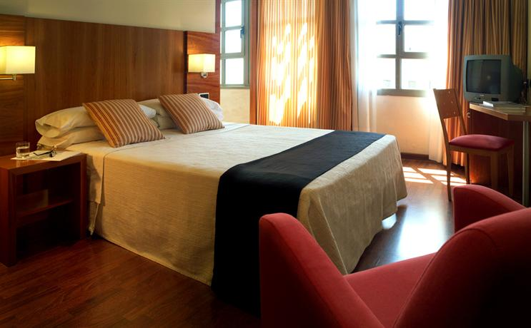 Photo 1 - GBB Hotel Aranea