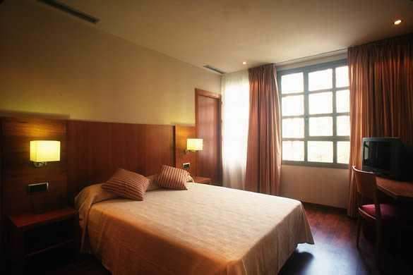 Photo 2 - GBB Hotel Aranea