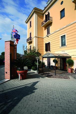 Photo 2 - Romoli Hotel