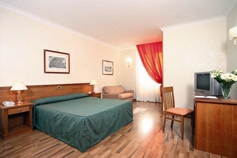 Photo 3 - Romoli Hotel