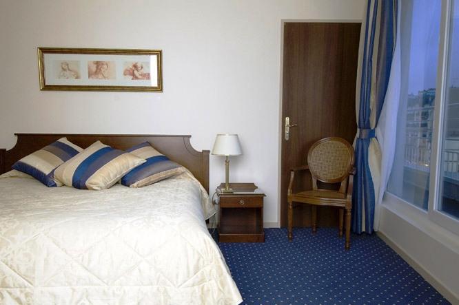 Photo 2 - Best Western Premier Amiral Hotel