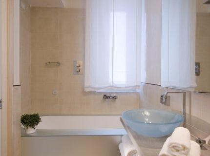 Photo 2 - Venetia Palace Hotel
