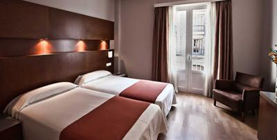 Photo 3 - Almudaina Hotel