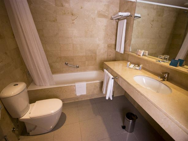 Photo 3 - AB Viladomat Hotel