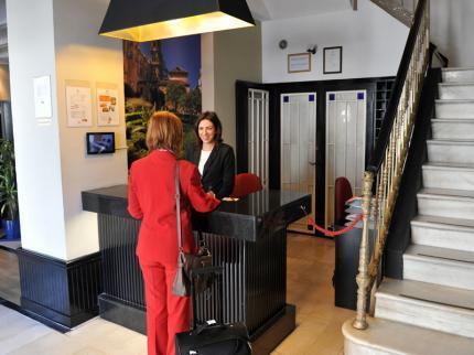 Photo 2 - Atarazanas Malaga Boutique Hotel