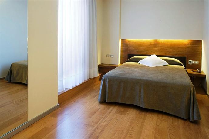 Photo 2 - Turin Hotel