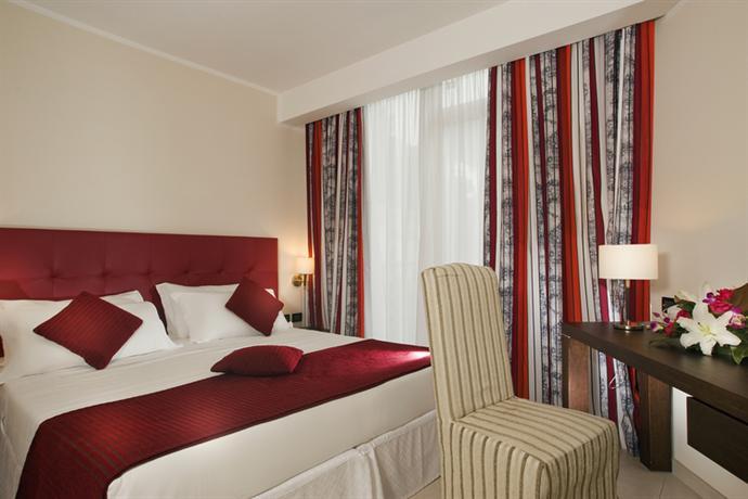 Photo 1 - Cardinal Hotel St. Peter