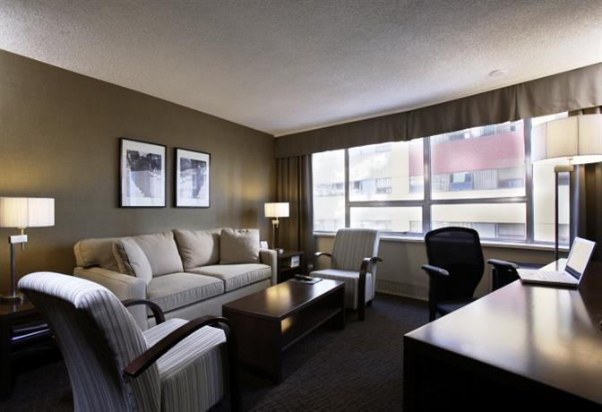 Photo 1 - Crowne Plaza Chateau Lacombe