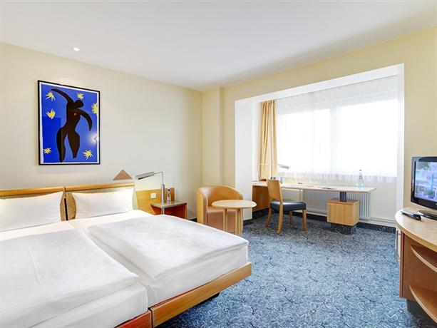 Photo 2 - ABACUS Tierpark Hotel