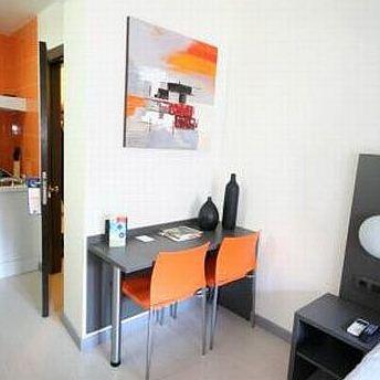 Photo 2 - Km1 La Latina Apartments