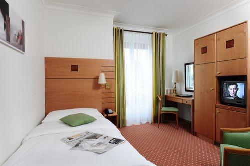 Photo 1 - Eden Hotel Geneva