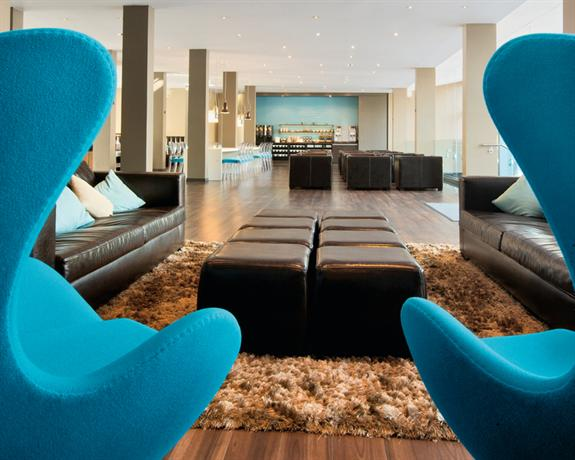 Photo 2 - Motel One Hamburg Altona