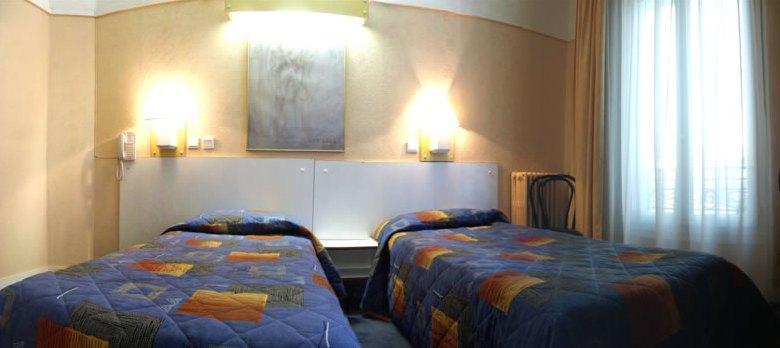 Photo 3 - Hotel Montmartrois