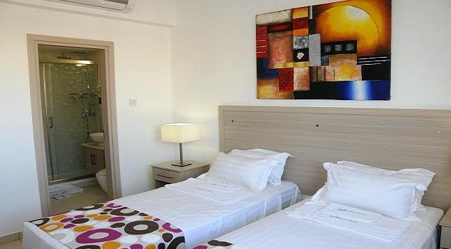 Photo 2 - Frixos Suites Hotel Apts
