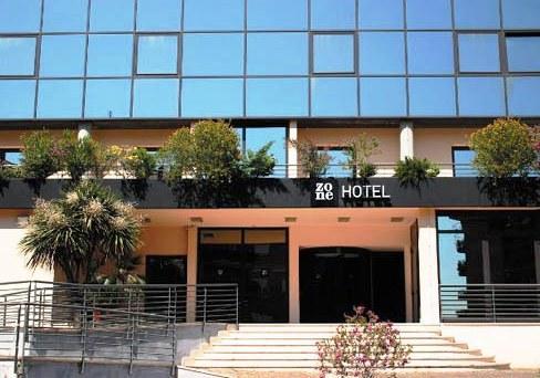 Photo 1 - Zone Hotel