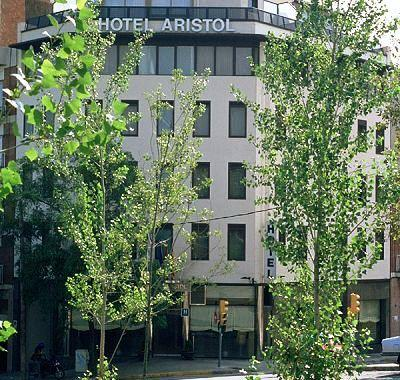 Photo 1 - Hotel Aristol