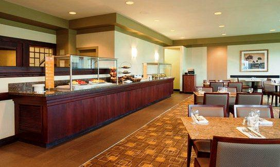 Photo 3 - Hilton Suites Winnipeg Airport