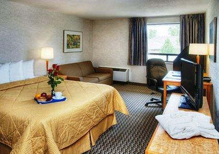 Photo 2 - Comfort Inn Airport Winnipeg
