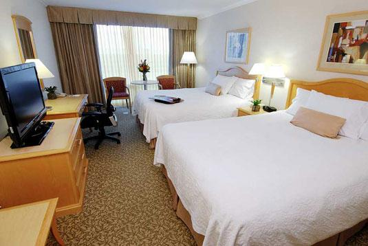 Photo 2 - Hampton Inn & Suites Downtown Vancouver
