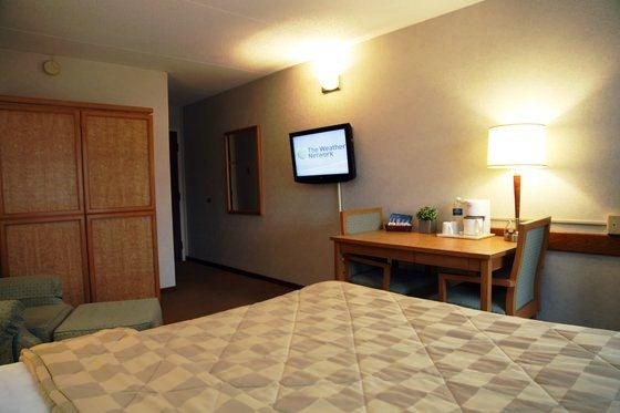 Photo 2 - Comfort Inn Saint Catharines