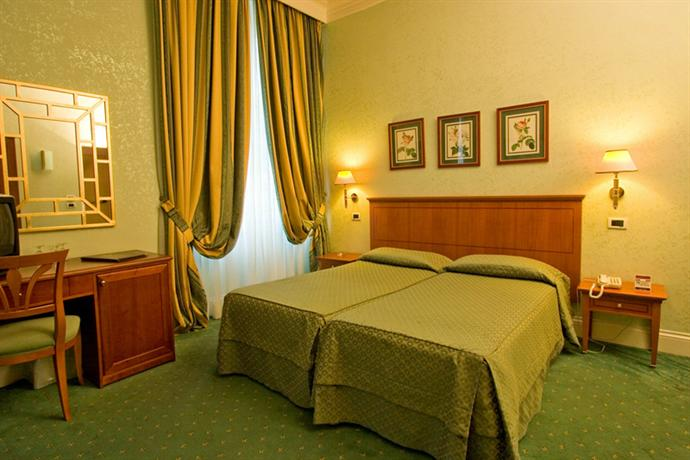 Photo 1 - Ateneo Garden Palace Hotel