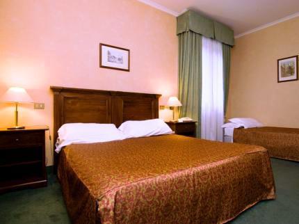 Photo 2 - Appia Park Hotel