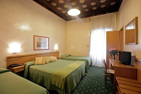 Photo 1 - Hotel Embassy Rome
