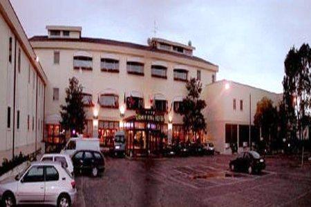 Photo 2 - Summit Roma Hotel