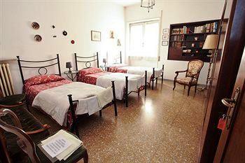 Photo 2 - Casa Del Sole Bed & Breakfast Rome